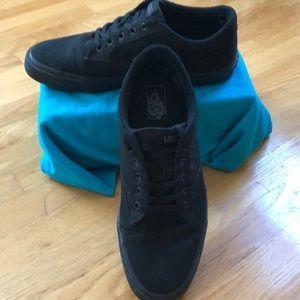 Men's VANS black lace up sneakers